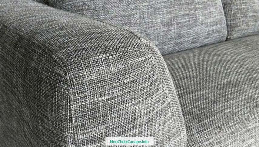 Nettoyer canapé en tissu avec bicarbonate de soude