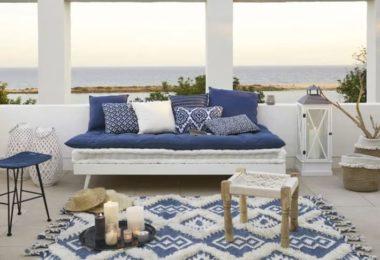 Canapé bleu marine style bord de mer