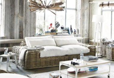 Salon chic avec meubles style bord de mer